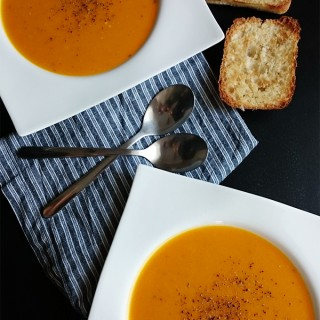 Leichte Kürbis Suppe mit leckerem Apfel Cider von knabberkult.de