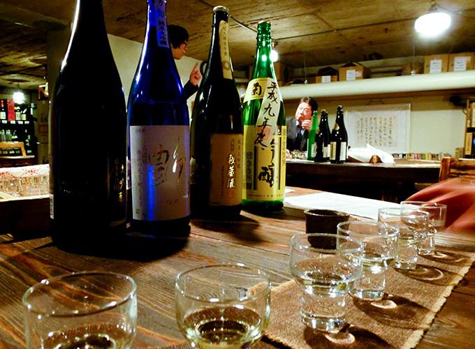 Sake-Probe im Keller des Shimada Shoten // Knabberkult.de